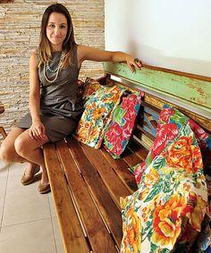 A arquiteta Marina Dubal diz que, com cautela, não há limites para usar as estampas em casa  (Eduardo de Almeida/RA Studio)