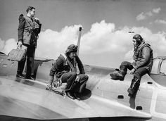 The crew of a Bristol Blenheim Mk IV of No. 40 Squadron exit their aircraft at Wyton, July Bristol Blenheim, Air Force Aircraft, Battle Of Britain, Modern History, Royal Air Force, Military Aircraft, World War Two, Wwii, Collection