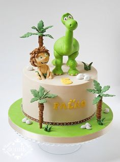 Good Dinosaur cake on Cake Central The Good Dinosaur Cake, Dino Cake, Baby Cakes, Cupcake Cakes, Amazing Cakes, Beautiful Cakes, Dinasour Cake, Arlo Und Spot, Dinosaur Birthday Cakes