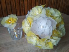 New DIY project for the lovers of handmade products. Flowers from nylon stockings. Colours: white and yellow Nylon Flowers, Handmade Products, Nylon Stockings, Wedding Bouquets, Sunshine, Diy Projects, Lovers, Colours, Yellow