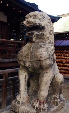 Fu dogs at Tenmangu in Osaka