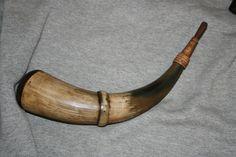 Simple single banded horn by Ed McDilda.
