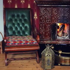 Inspireras otroligt av Sandras varma mustiga färgskalor. Dessutom var jag nära på att lägga vantarna på den där sittdynan...