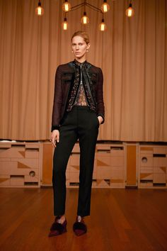 See the complete Givenchy Pre-Fall 2017 collection.