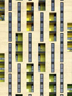 Allford Hall Monaghan Morris_Lemonade Building, Barking Central_2010 ©Tim Soar