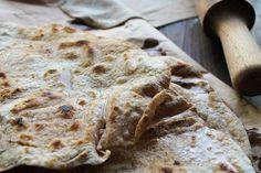 Chapati vegan          250 g de farine complète     11 cl d'eau tiède     1 cuillère à café de sel     50 g de margarine végétale