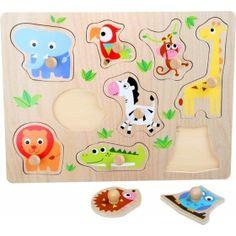 """Puzzle s Puzzle s úchytkami z lisovanej preglejky sú drevené hračky určené pre deti od cca 1 roka a podporuje jeho zručnosti ako je jemná motorika, manuálnu zručnosť, logické myslenie a cit pre tvar predmetu.""""zvieratká"""" Ravensburger Puzzle, Giraffe, Snoopy, Kids Rugs, Wood, Character, Decor, Material, Products"""