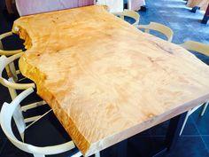 トチ/一枚板/ダイニングテーブル/atelier mokuba/関家具