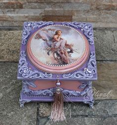 Shabby Chic Crafts, Vintage Crafts, Bottle Art, Bottle Crafts, Pretty Storage Boxes, Decoupage Box, Antique Boxes, Altered Boxes, Jewellery Boxes