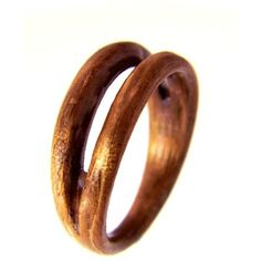 Hand Carved Bentwood Ring (8715 RSD) ❤ liked on Polyvore featuring jewelry, rings, wooden rings, band jewelry, wooden jewelry, wood jewelry and carved jewelry