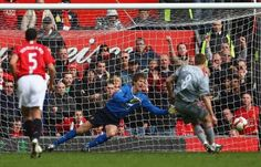 Gerrard scores a penalty past Edwin Van Der Sar at Old Trafford