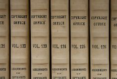Link to copyright.gov the website for the US Copyright Office. The mothership of all things copyright in the US. Register copyrights, learn about copyright, investigate copyrights.