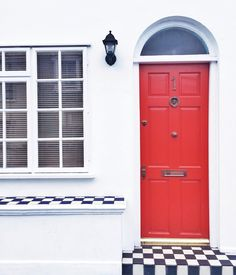 London Notting Hill red door