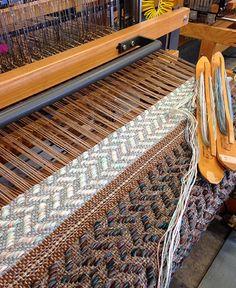Lanier Design Home Textile, Textile Design, Loom Weaving, Hand Weaving, Comfort Design, Woven Scarves, Weaving Textiles, Weaving Projects, Create And Craft