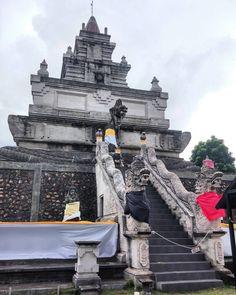 #indonesia #riau #batam #island #dayout #solotour #firsttime #culture #lifestyle #explore #landscape #sunny #rain #bridge #temple #signature #food #massage #traditional #ipadminicamera #scenery #lgg2camera #fantastic #shoppingmall #visit #traveller by ko_ye_yint
