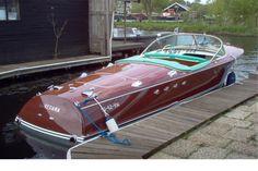 www.classicboatsamsterdam.com wp-content uploads 2014 02 RivaTritone15.jpg