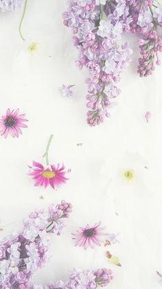 As emoções liberam lágrimas do que sufoca a alma  liberando salva encantos.   _Sol Holme_ ღ ღ'✿ڿڰۣ '✯ ✯