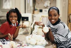 Jaimee Foxworth and Kellie Shanygne Williams in Family Matters (1989)