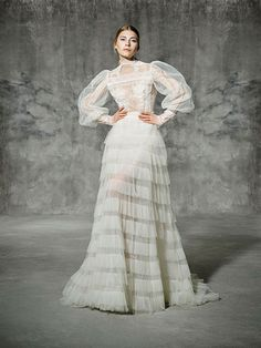 FRANCOLI, yolancris, romantic, couture, dress, wedding, barcelona, bridal, gown, novia, vestido, bride, elegantes, atelier, modérons, originales, hechos a mano, artesanales, costura, couture gowns, tailored made, bespoke, best bridal designers, fashion, e