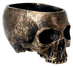 Beautiful bronzed lifesize skull bowl. Perfect for candy, potted plants, or…