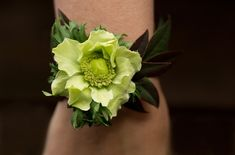 wrist corsage AmyLynneOriginals and liznemeth.com photo AmyLynneO_Corsage089