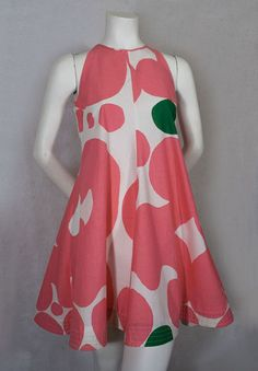 """Marimekko cotton dress, c.1973.    This is the Keidas (""""oasis"""") print designed by Annika Rimala in 1967. From the Vintage Textile archives."""