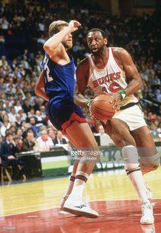 NBA Playoffs, Milwaukee Bucks Bob Lanier (16) vs New Jersey Nets, Game 5, Milwaukee, WI 5/8/1984