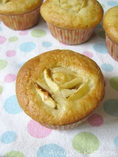 Skinny cupcakes by Hairy Bikers, ugh, Dieters ;)