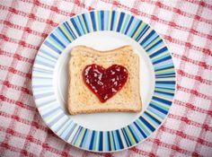 A fehér kenyér rendkívül megosztónak számít. Ha téged is érdekel, hogy valóban olyan egészségtelen-e, mint ahogy azt mondják, akkor olvass tovább! Pancakes, Breakfast, Food, Morning Coffee, Essen, Pancake, Meals, Yemek, Eten