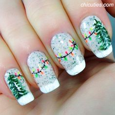 Green-Christmas-Tree-And-String-Lights-Manicure Festive Christmas Nail Art Ideas Holiday Nail Art, Christmas Nail Art Designs, Winter Nail Art, Winter Nails, Spring Nails, Summer Nails, Xmas Nail Art, Snowflake Nail Art, Christmas Manicure