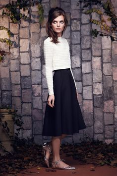 Saloni Pre-Fall 2015 Fashion Show Collection: See the complete Saloni Pre-Fall 2015 collection. Look 16 High Fashion, Luxury Fashion, Womens Fashion, Fashion Show Collection, Rock, Fall 2015, Pretty Outfits, Dress To Impress, Cool Style
