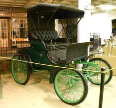 1899 Winton Phaeton - Crawford Auto Aviation Museum