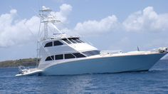 Eric Clapton's yacht ~ the 'Blue Guitar' ~ Saw it off Esperanza Beach, Vieques Ocean Fishing Boats, Sport Fishing Boats, Speed Boats, Power Boats, Whitewater Kayaking, Canoeing, Fishing Yachts, Blue Guitar, Classic Yachts