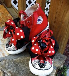 Viviana needs these to add to her  Minnie mouse collection!
