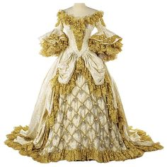 Marie Antoinette ivory gown reproduction created for display purposes. Classic Style, My Style, Vintage Vogue, Retro Vintage, French Fashion, Classic Fashion, Marie Antoinette, Fashion History, Fashion Dolls