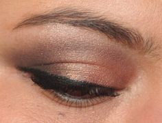 Smoky brown eyes with glitter.