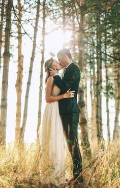 romantic kiss in the forest Forest Wedding Inspiration Forest Wedding Ideas Forest Wedding Theme Forest Wedding Styling Forest Wedding Decor Forest Wedding Examples Forest Wedding Photos Woodland Trees Outdoor Wedding by Sail and Swan Wedding Photography Styles, Wedding Photography Poses, Wedding Poses, Wedding Photoshoot, Wedding Shoot, Wedding Couples, Wedding Portraits, Dream Wedding, Photography Ideas