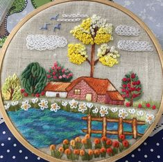Hand Embroidery Patterns Flowers, Hand Embroidery Videos, Simple Embroidery, Hand Embroidery Stitches, Silk Ribbon Embroidery, Hand Embroidery Designs, Embroidery Techniques, Embroidery Kits, Decoration