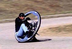 【画像】ホンダの近未来バイク。いや、見た目はともかく事故るでしょこれ…… : ガハろぐNewsヽ(・ω・)/ズコー
