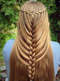 This is pretty, but my hair is too fine for this style. #braidedhairstylesforschool