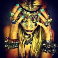 Rat and Boa Mode Hippie, Hippie Love, Mode Boho, Hippie Bohemian, Boho Gypsy, Hippie Chic, Haute Hippie, Gypsy Style, Hippie Style