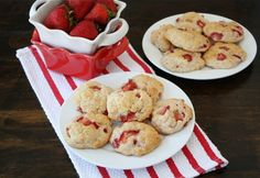 Strawberry Shortcake Cookies (Two Peas and Their Pod) #cookies #strawberries