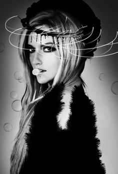 #vogue #elle #moda #foto #stylizacja anatodorov.com/ Zdjęcie z sesji (CZAR) NY Haute couture.