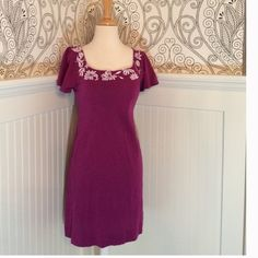 Purple Banana Republic Dress Short sleeve purple dress. Square neckline with white embroidered detailing. 100% cotton, and very cute and comfy! Banana Republic Dresses