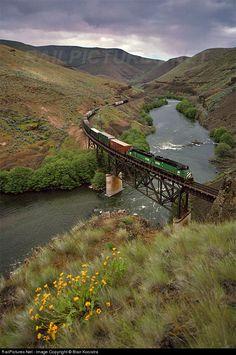 RailPictures.Net Photo: BN 2703 Burlington Northern Railroad EMD GP39-2 at Twin Bridges, Oregon by Blair Kooistra