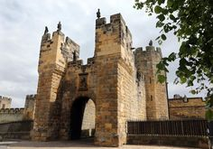 A photo of Alnwick Castle, venue for the wedding of Lady Melissa Percy and Mr. Thomas van Straubenzee at St. Michael's Church in Northumberland - Pictures - Zimbio