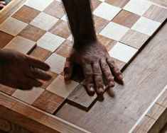 Great site about handmade chessboards