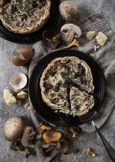 FAST PHYLLO PIE WITH DELICIOUS AGED CHEESE, MUSHROOMS AND CHANTERELLES ♥ A really beautiful autumnal pie with delicious aged cheese and mushrooms. Taggs: phyllo pie recipe, mushrooms pie chanterelles pie recipe, healthy food, glutenfree, gluten free, vegetarian, without refined sugar, vegan, scandinavian, fast