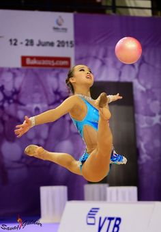 Son Yeon-Jae, South Korea, ball final in World Championships Izmir 2014