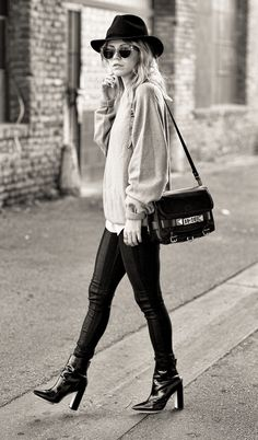 @ALWAYSJUDGING . . in @Faith Hudson Jeans Nico Lurex Stripe Skinnies! #HUDSONHoliday